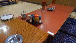 葛西の定食屋 千里のテーブル席