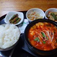 西葛西の韓国料理屋 オアシスでランチ!スンドゥブチゲ等コスパ抜群の旨辛メニューが目白押しの、オモニが作る本場の味♪