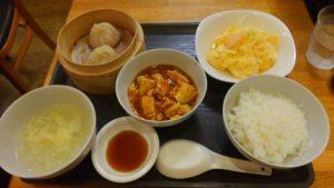 圓園の麻婆豆腐とエビ卵定食