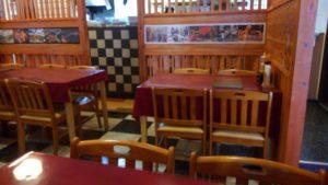 ハローベトナムレストラン 西葛西店のテーブル席の様子