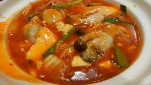 阿里城 スナモ店の豆腐とカキのモチ入り中華風チゲ 接写