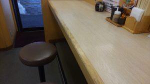 かつや 西葛西店のカウンター席