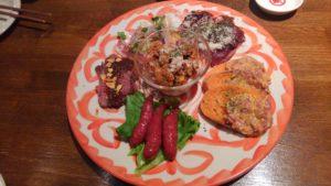 馬酒場ボブリーの前菜の盛り合わせプレート
