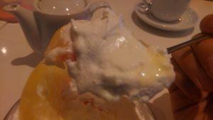フォーシーズンズカフェの桃のミニパフェ